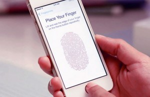 Hackers Show iPhone 5s Touch ID Security Bypass Trick In Public