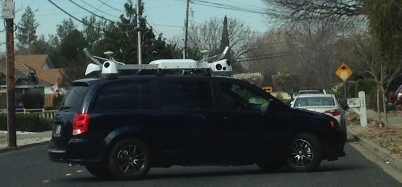apple-camera-car