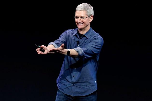 tim-cook-apple-watch