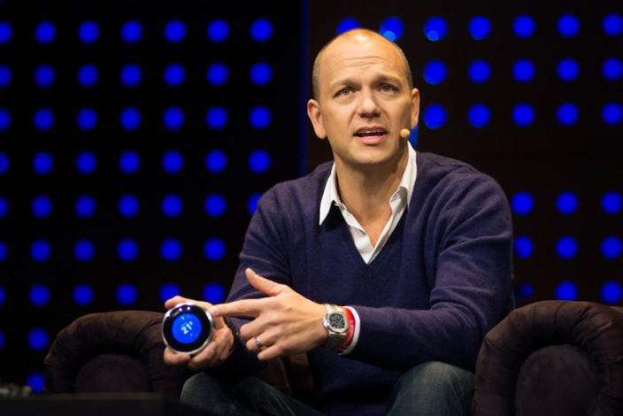 Tony-Fadell-holds-Nest-thermostat