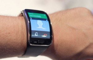 Samsung Gear S, a smartphone for your wrist