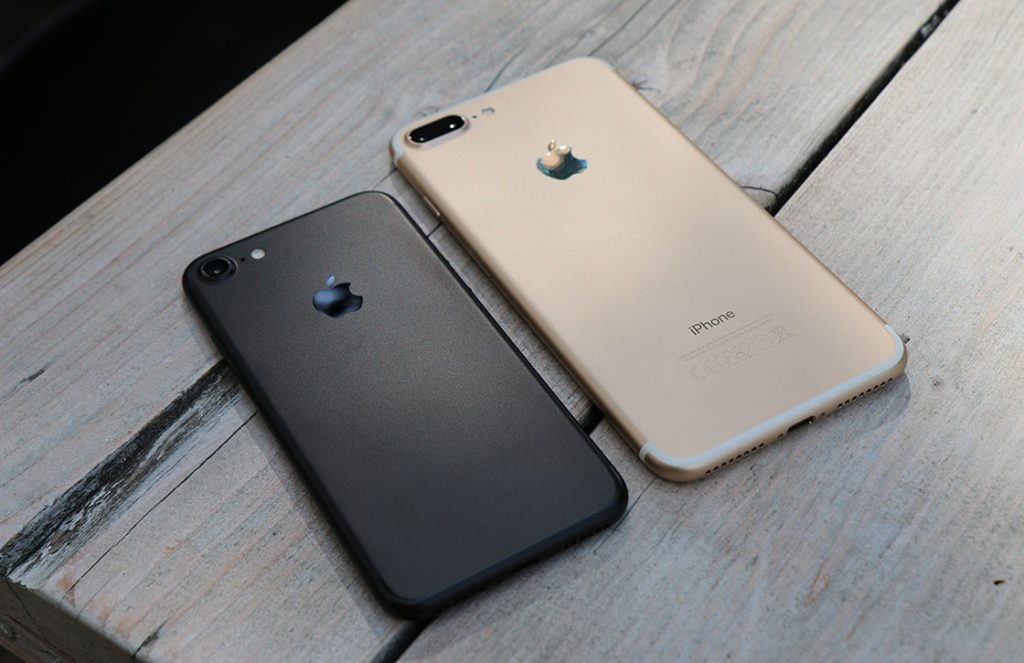 iPhone 7 and iPhone 7 Plus Size