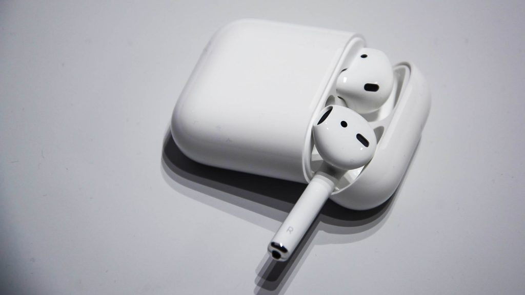 Connect Apple Airpods